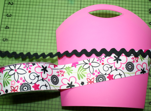 Container and ribbon